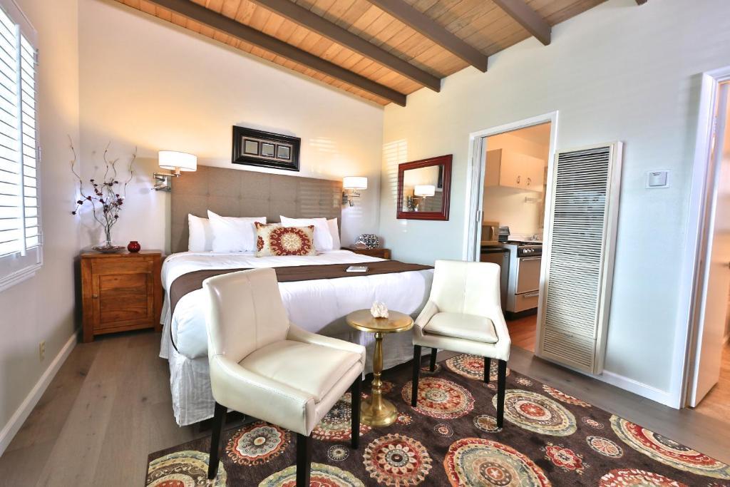pleasant inn morro bay prenotazione on line viamichelin. Black Bedroom Furniture Sets. Home Design Ideas
