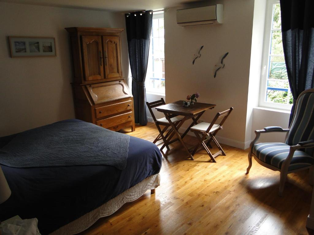 chambre d 39 h tes l 39 airial r servation gratuite sur viamichelin. Black Bedroom Furniture Sets. Home Design Ideas