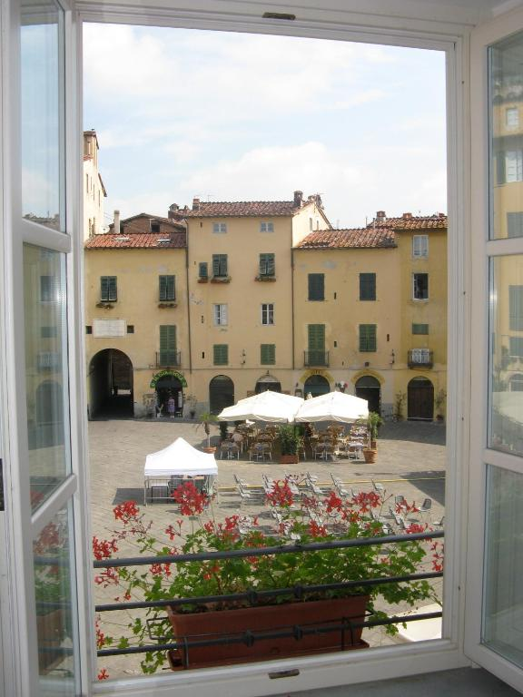 2italia anfiteatro lucca informationen und buchungen for Anfiteatro apartments