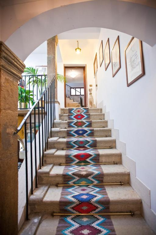 Hotel moderno erice book your hotel with viamichelin for Hotel moderno madrid booking