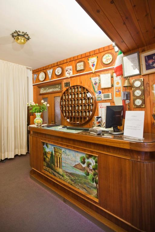 Hotel moderno erice online booking viamichelin for Hotel moderno madrid booking