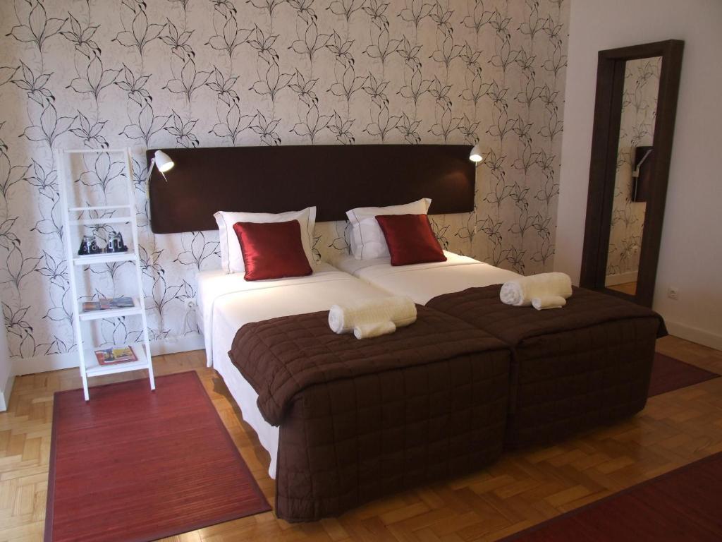 chambres d 39 h tes thehouse lisboa chambres d 39 h tes lisbonne. Black Bedroom Furniture Sets. Home Design Ideas