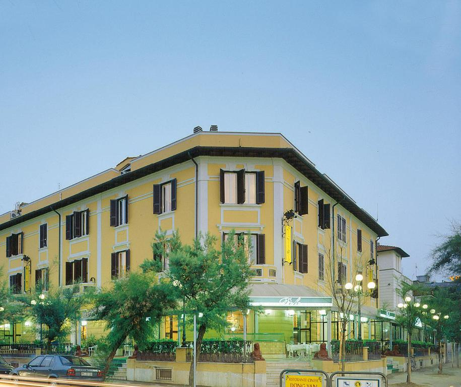 Hotel des bains italien pesaro for Hotel des bain