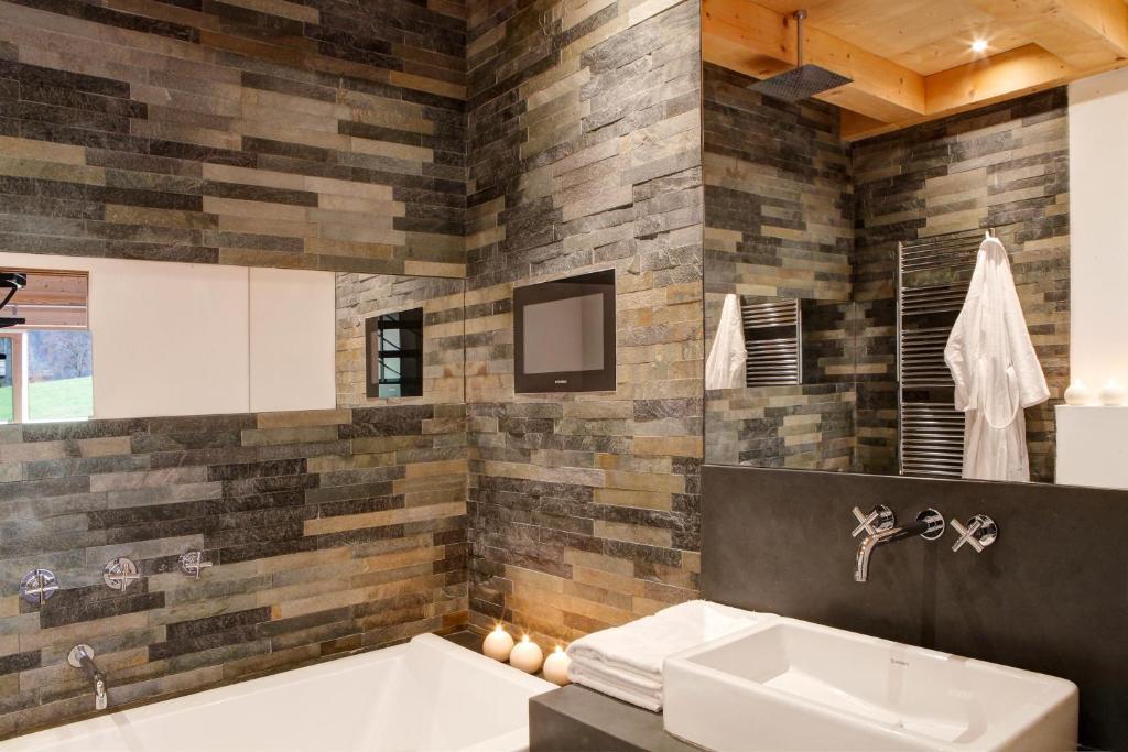 chalet la vigogne et spa th nes informationen und buchungen online viamichelin. Black Bedroom Furniture Sets. Home Design Ideas