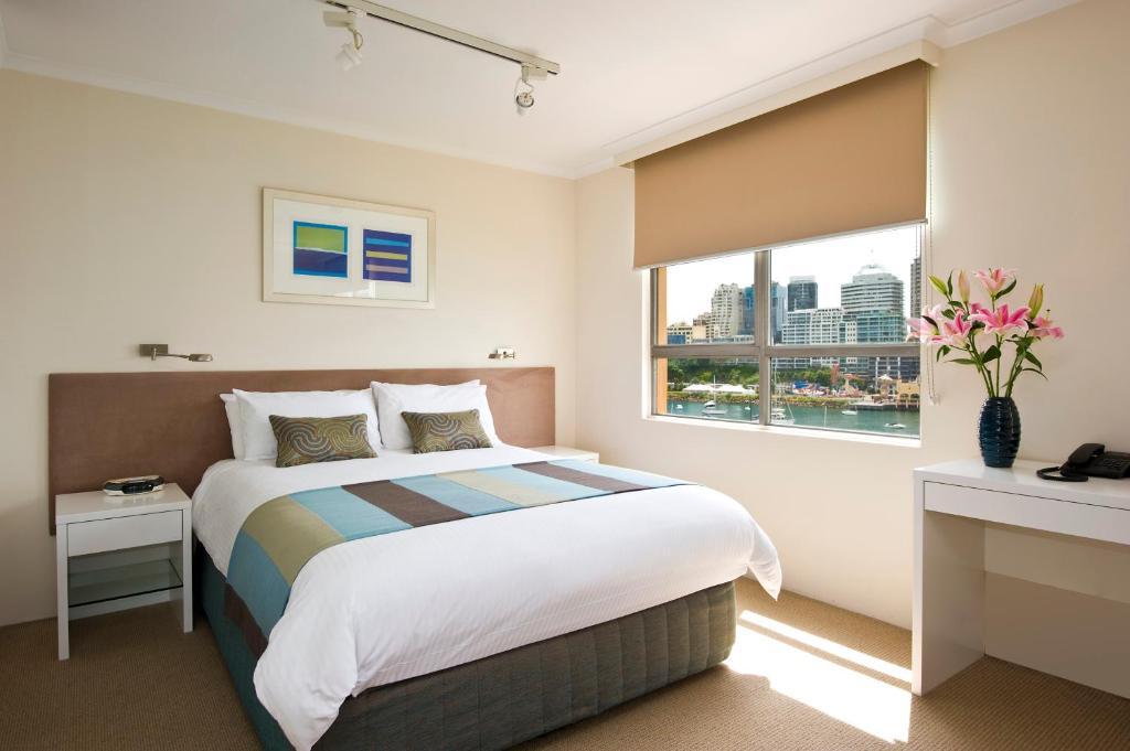 harbourside apartments sydney book your hotel with. Black Bedroom Furniture Sets. Home Design Ideas