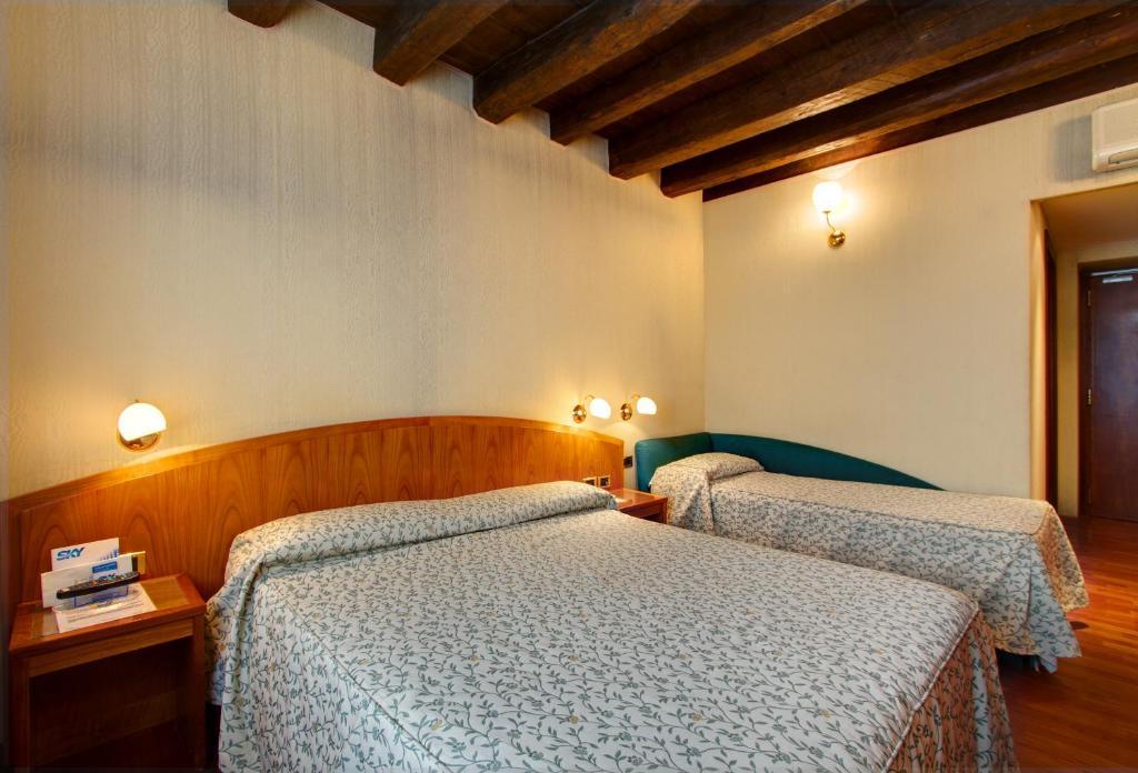 Corot Hotel Roma