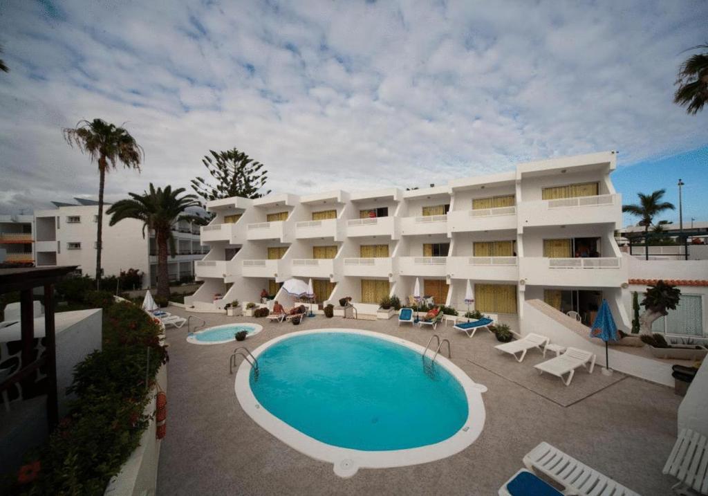 Apartments apartamentos guatiza holiday houses playa del ingles - Apartamentos monterrey playa del ingles ...