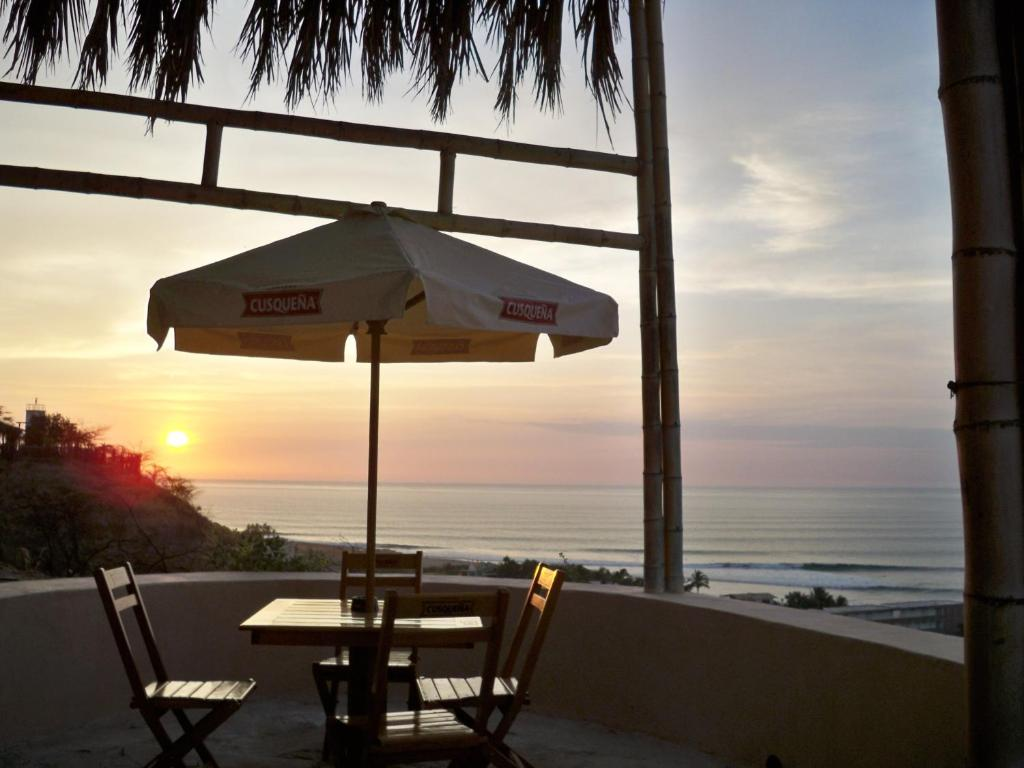 Kontiki Bungalows Mancora - Máncora - book your hotel with ...