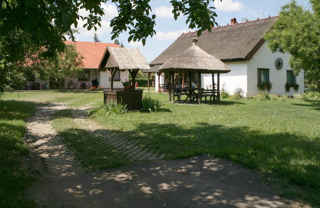 Koroknai Porta