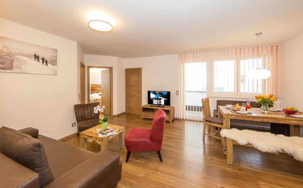 Appartement living sch nwies zell am see prenotazione for Living room zell am see
