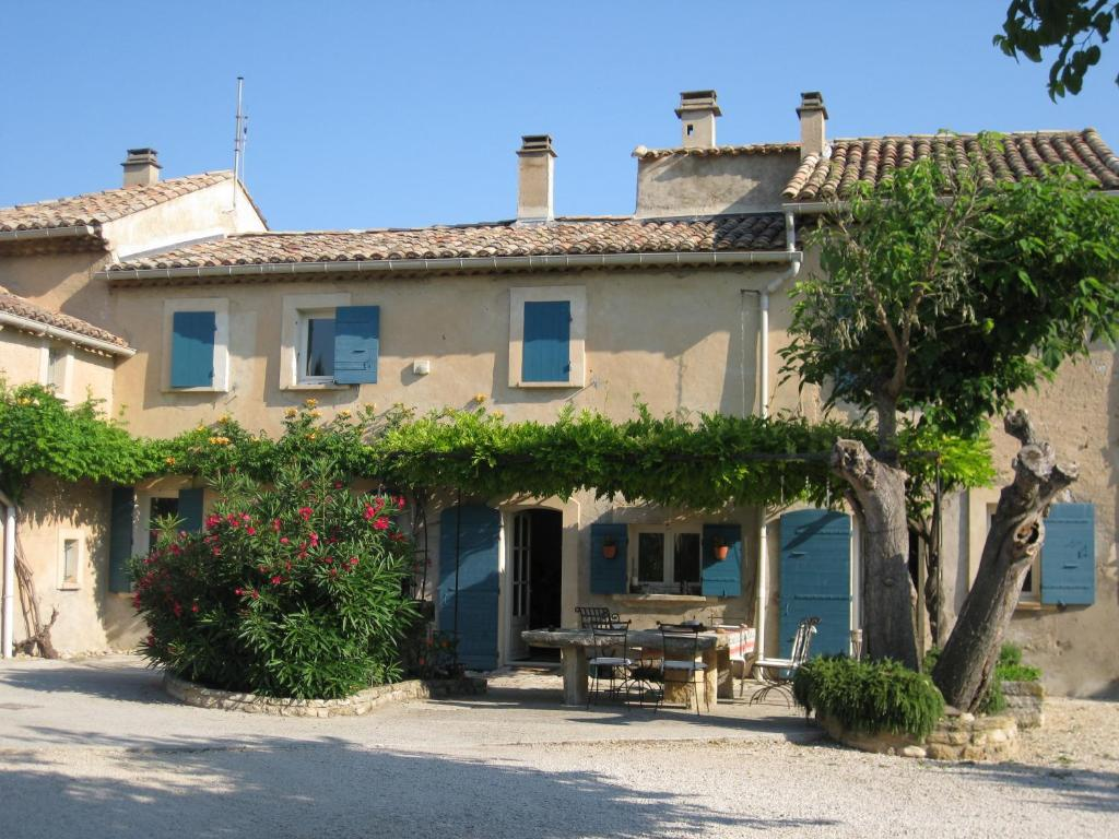Chambres d 39 h tes auberge du vin chambres d 39 h tes mazan for Chambre d hote dans le vaucluse