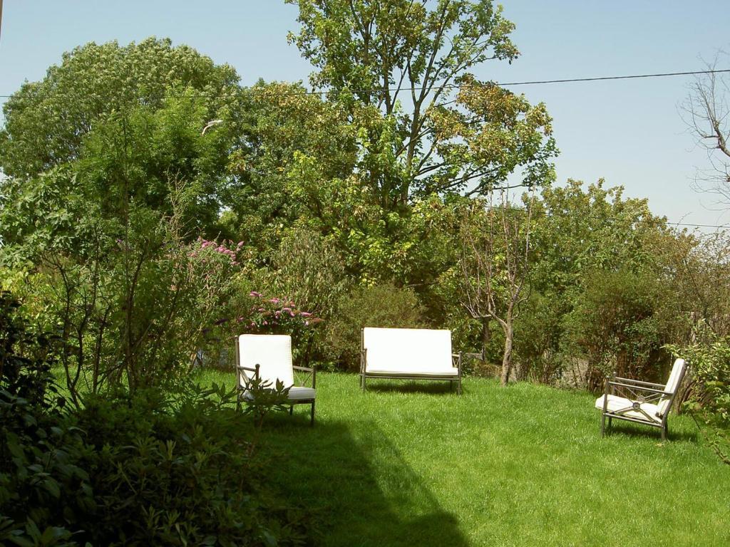 La maison du coteau l 39 ha les roses prenotazione on for Garage du midi les vans