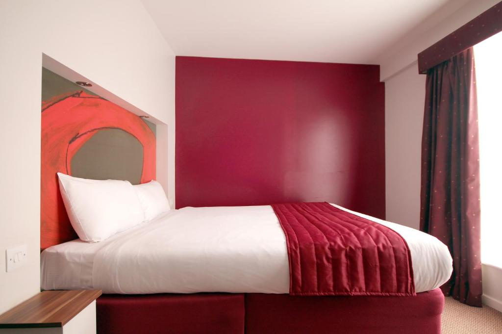 Ramada Hotel Stansted Parking