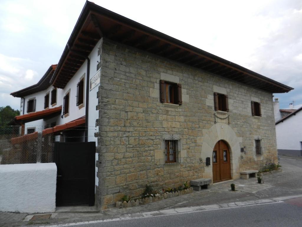 Casa de la cadena berrioplano informationen und buchungen online viamichelin - Casa de la cadena ...