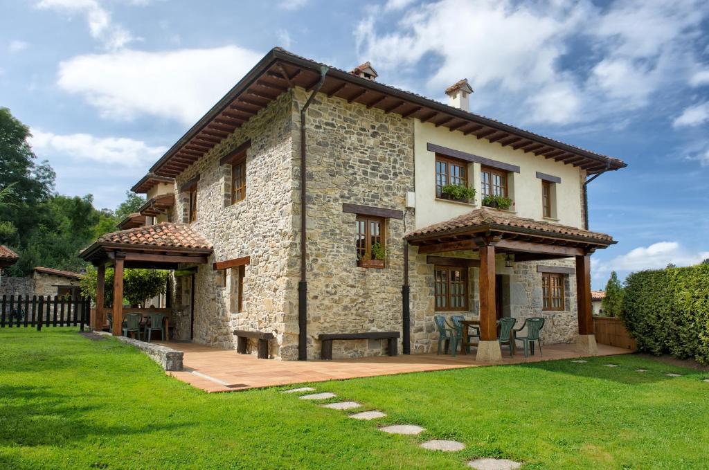 Casa Rural Llugarón IV (España Miravalles) - Booking.com