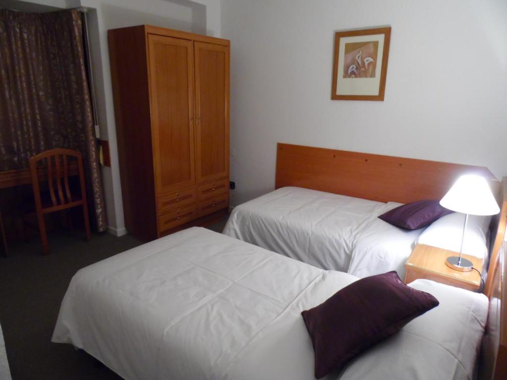 Hostal arenal zaragoza online booking viamichelin for Hostal zaragoza