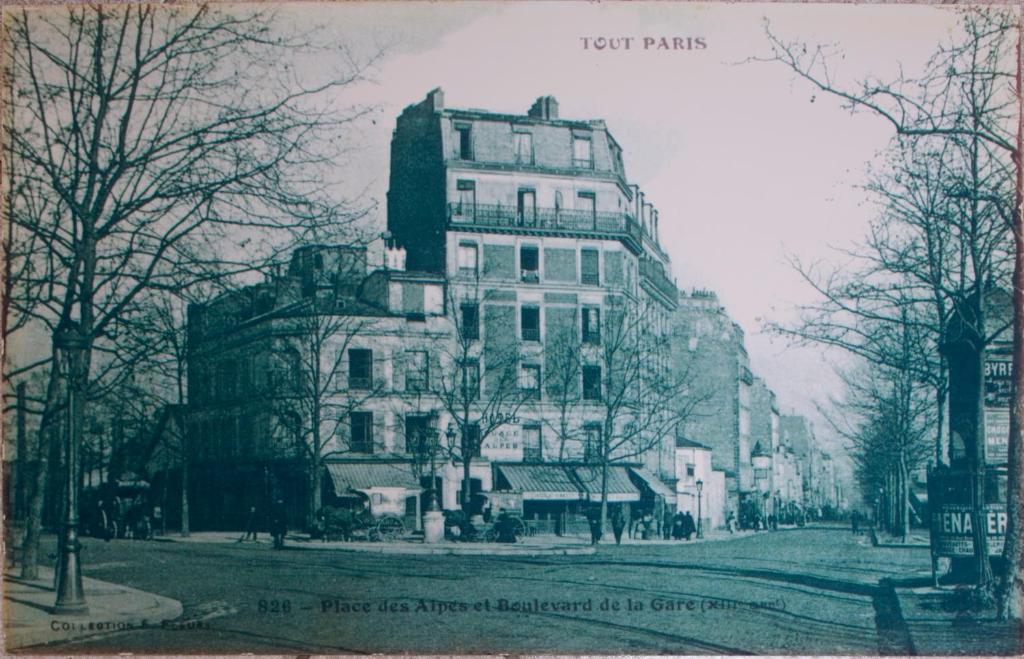 H tel de la place des alpes paris book your hotel with for Michelin hotel france