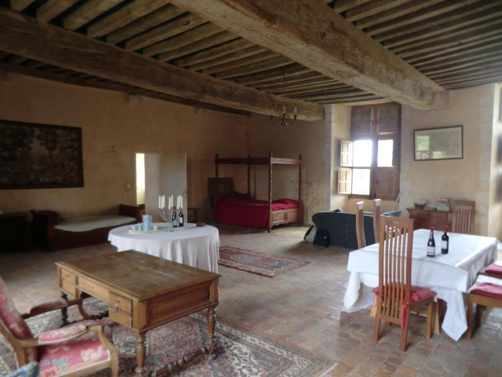 Chambres d 39 h tes manoir de la baronnie chambres d 39 h tes for Chambre d hotes roquevaire 13