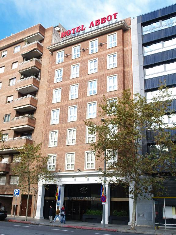 Hotel abbot barcelona book your hotel with viamichelin for Hotel 4 barcelona booking