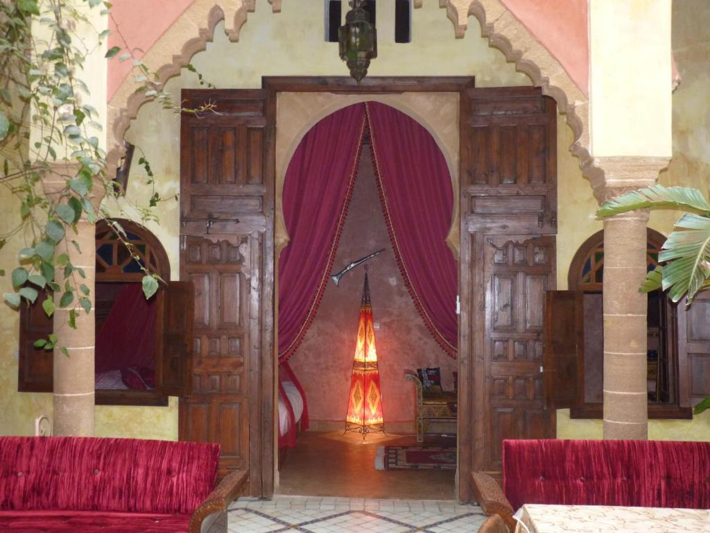 Riad marlinea chambres d 39 h tes sal for Chambre d hotes for sale