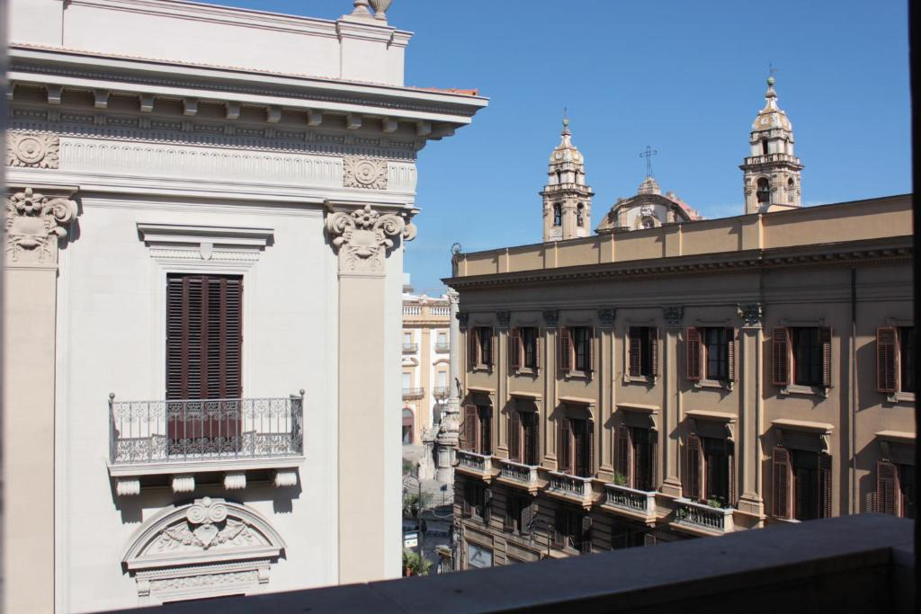 Hotel moderno palermo online booking viamichelin for Hotel moderno madrid booking