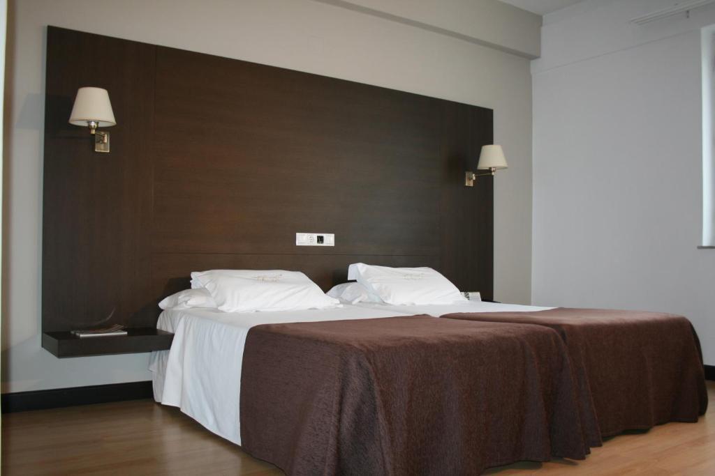 Hotel m ndez n ez lugo informationen und buchungen for Hotel familiar nunez