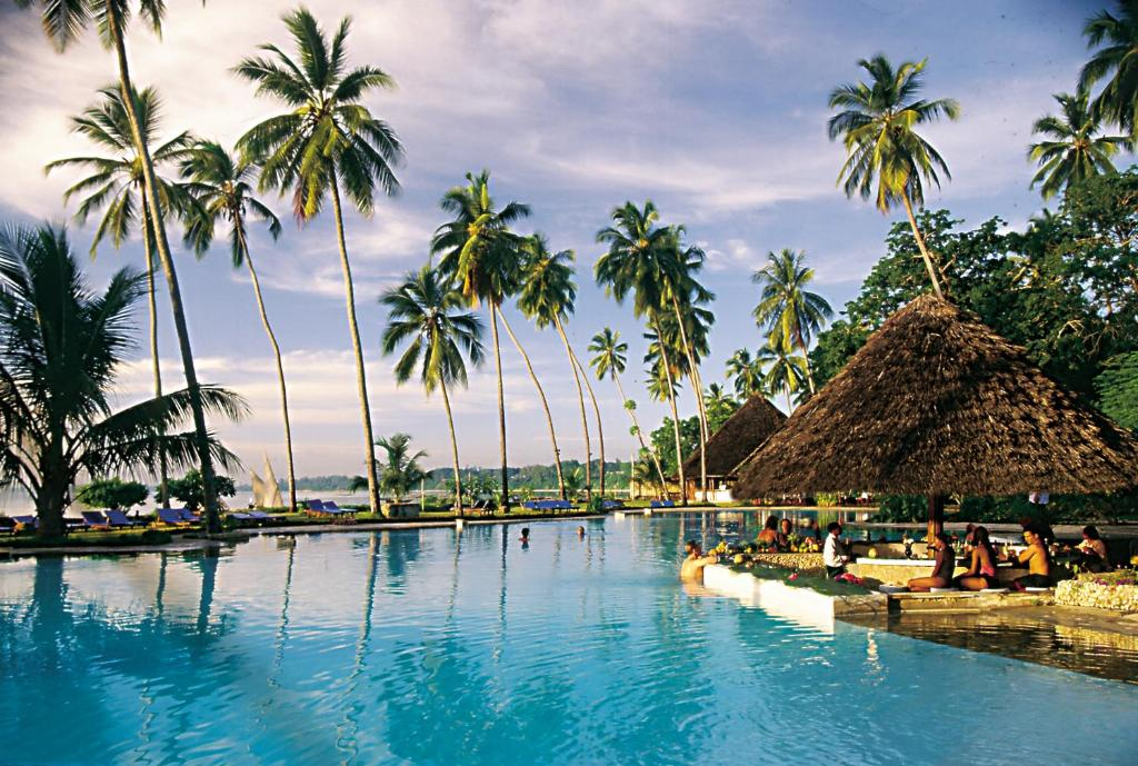 Zanzibar beach resort zanzibar book your hotel with for Hotels zanzibar