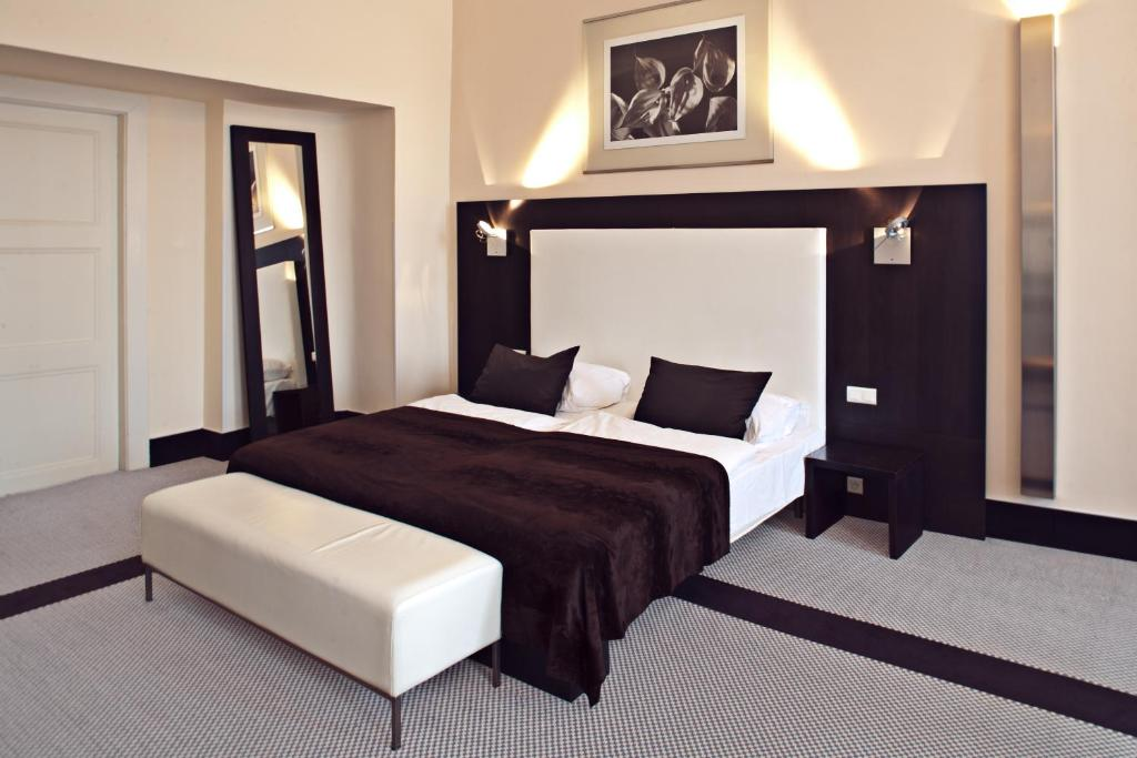 hotels near old town square prague old town square hotel prague online booking viamichelin
