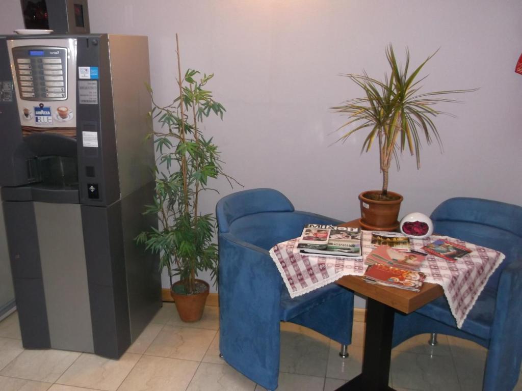 Albergo meubl abatjour mantova prenotazione on line for Albergo meuble agavi