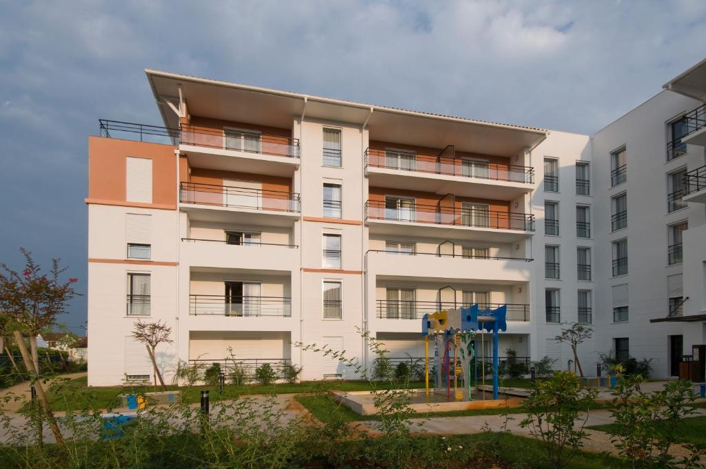 Domitys les sources de gascogne appart 39 hotels dax for Appart hotel dax