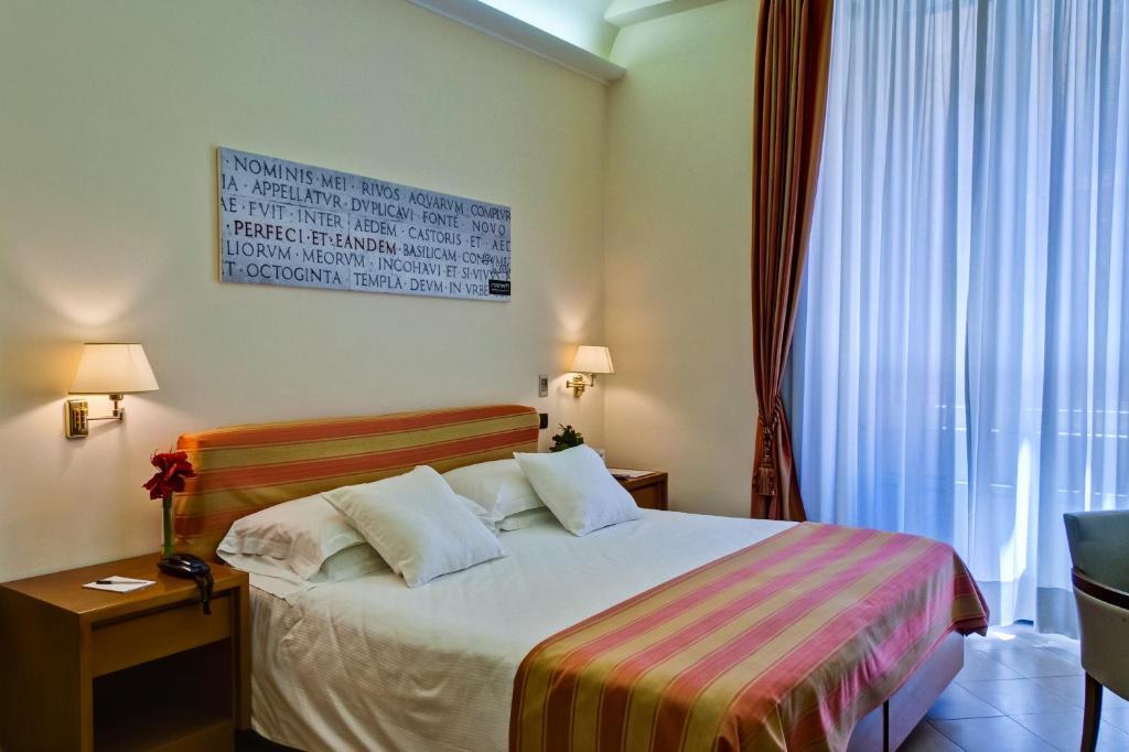 O Crosti Hotel & Residence é uma boa opção de hospedagem em Castro Pretorio