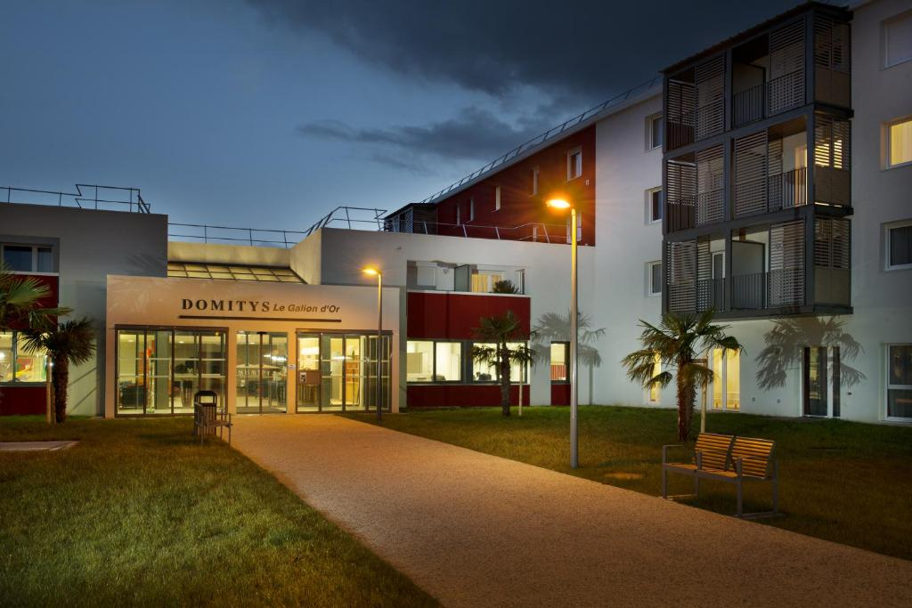Domitys le galion d 39 or royan for Hotel appart royan