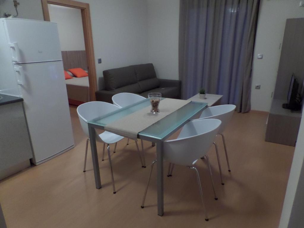 Apartamentos Begastri Apartamentos Ceheg N # Muebles Cehegin
