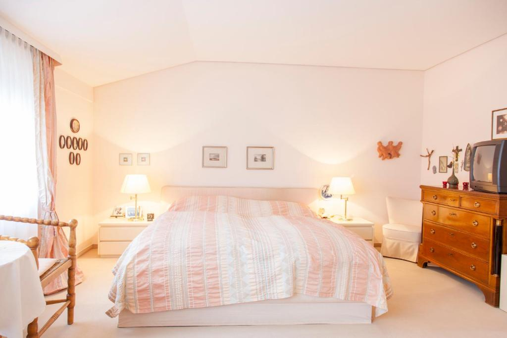 Bed breakfast deutsche messe zimmer private rooms for Zimmer hannover