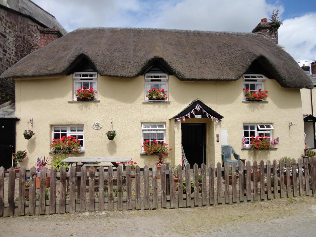 Hotels Near Holsworthy Devon