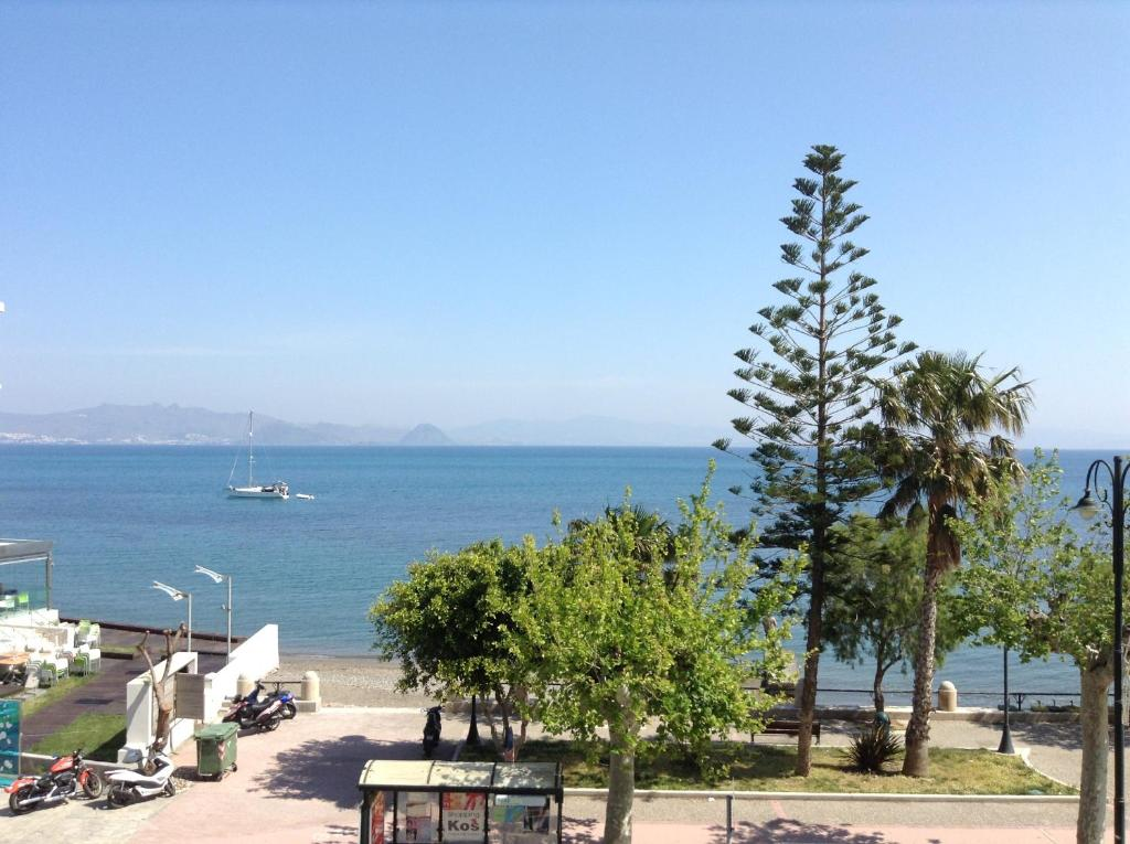 Triton hotel kos online booking viamichelin for Ristorante kos milano