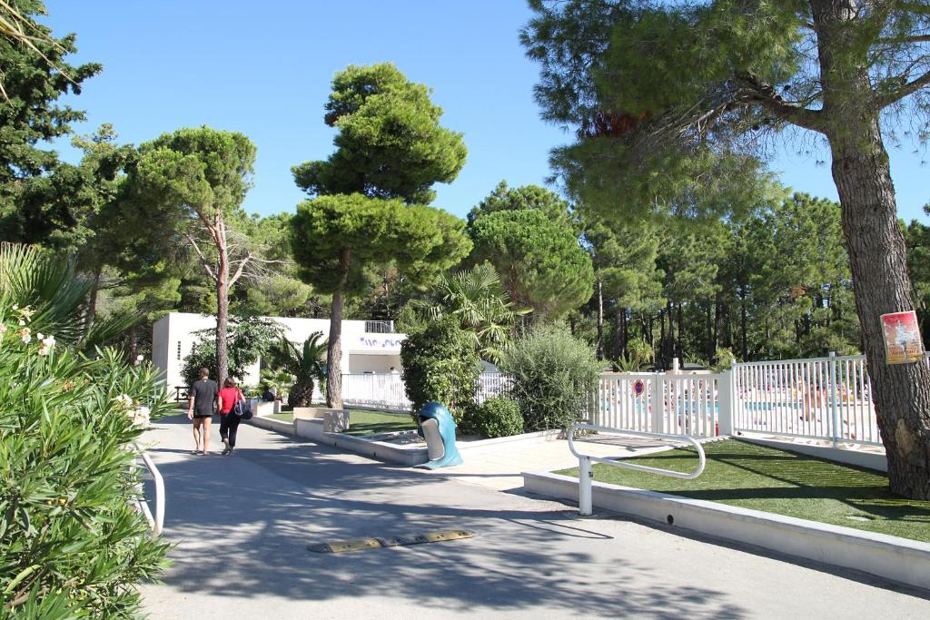 Camping taxo les pins camping in argel s sur mer in les for Campings argeles sur mer avec piscine