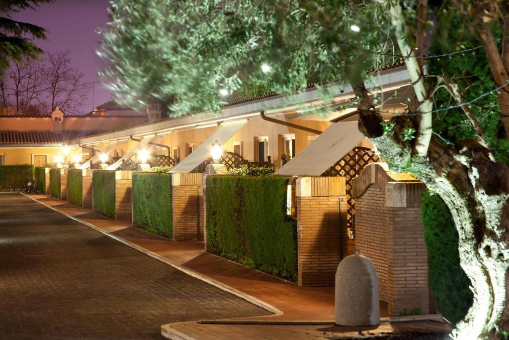 Hotel Piccolo Borgo Roma Ristorante
