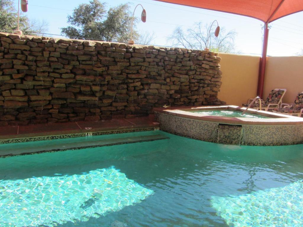 Amerik suites laredo at mall del norte laredo reserva - El clima en laredo texas ...