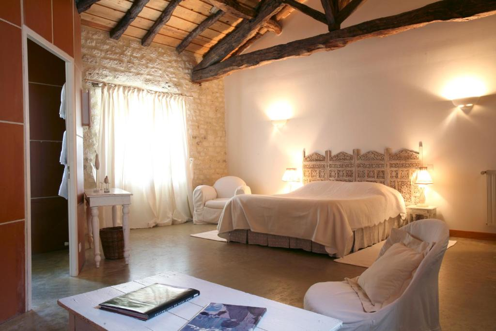 Bed breakfast les vents bleus bed breakfasts donnazac for Chambre d hote verdon