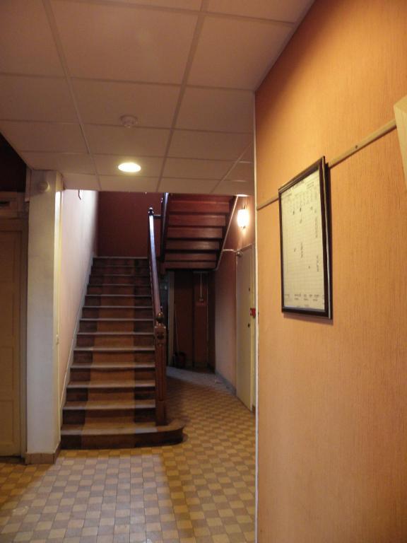 le pavillon r servation gratuite sur viamichelin. Black Bedroom Furniture Sets. Home Design Ideas