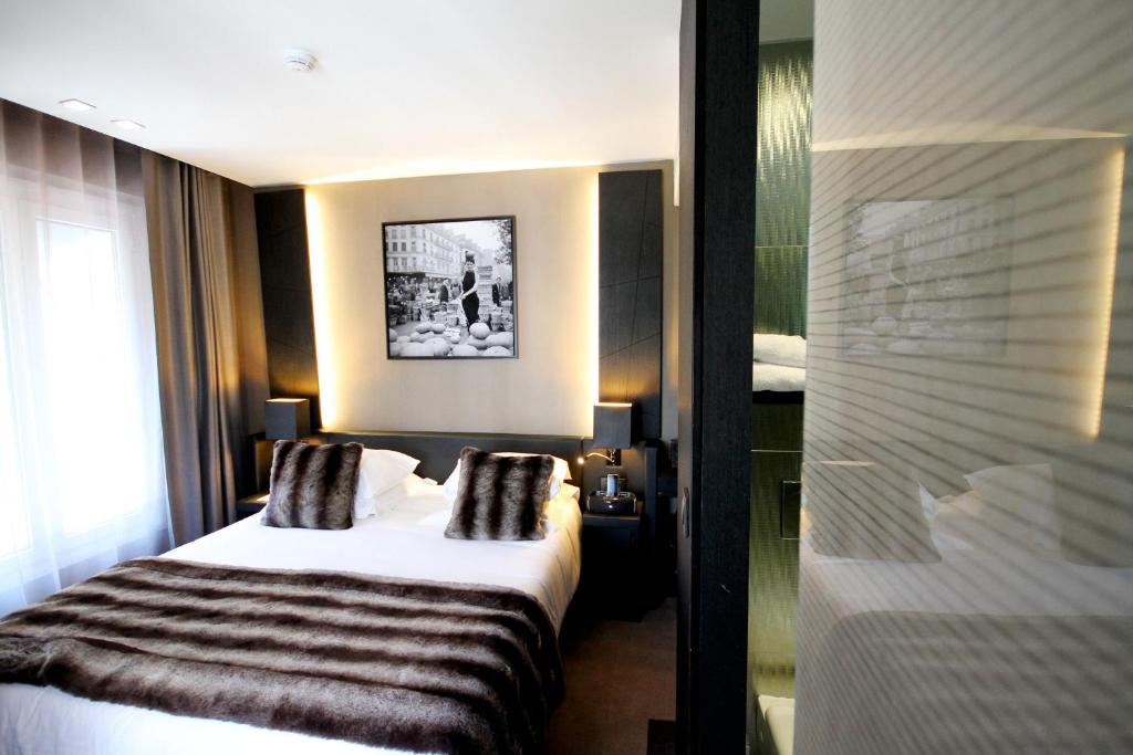 H tel elys es paris r servation gratuite sur viamichelin for Reservation hotel gratuite paris