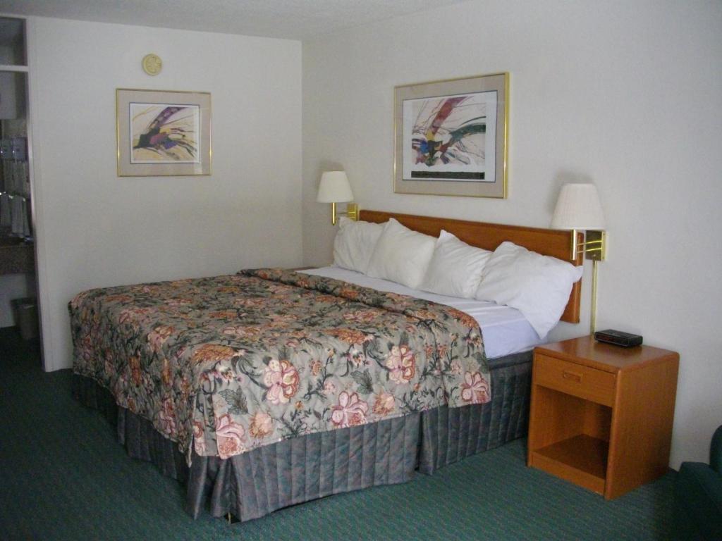 Hotel Rooms Macomb Il