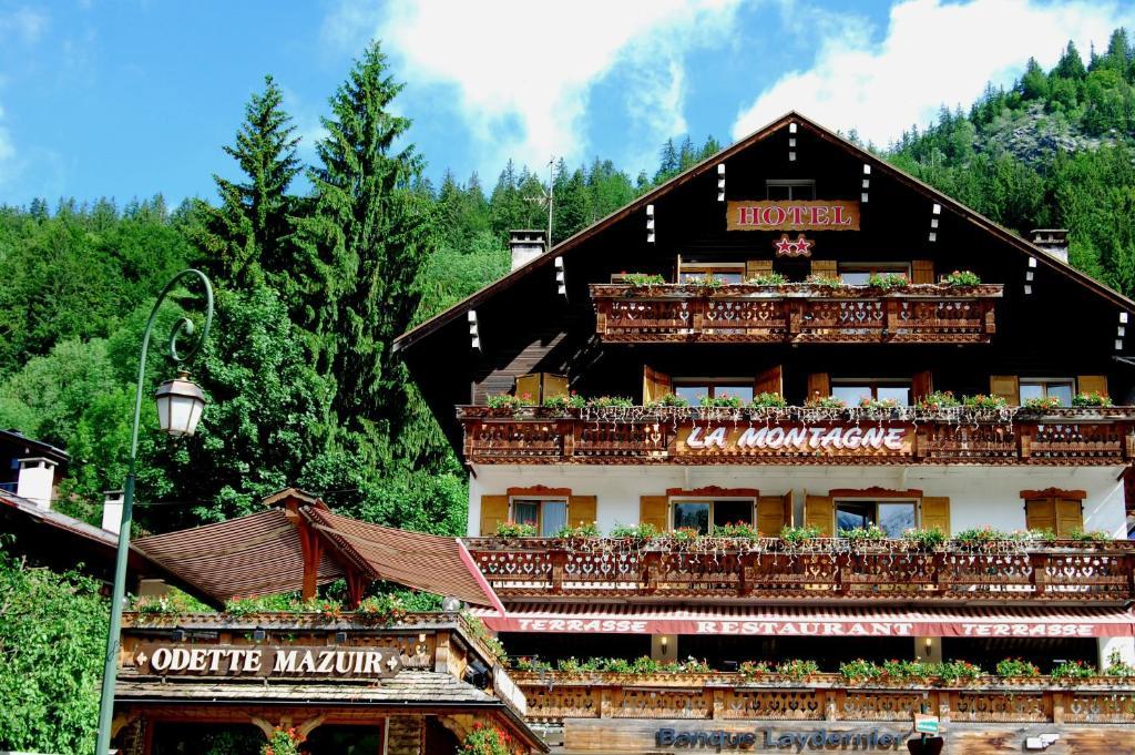 Logis la montagne le grand bornand book your hotel for La piscine art hotel reviews