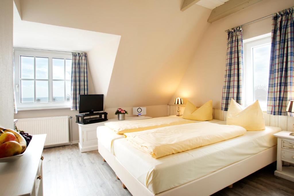 hotel maris scharbeutz book your hotel with viamichelin. Black Bedroom Furniture Sets. Home Design Ideas