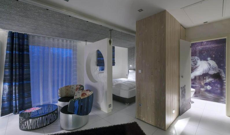 Mini suites le r ve bouxwiller book your hotel with for Reve chambre hotel