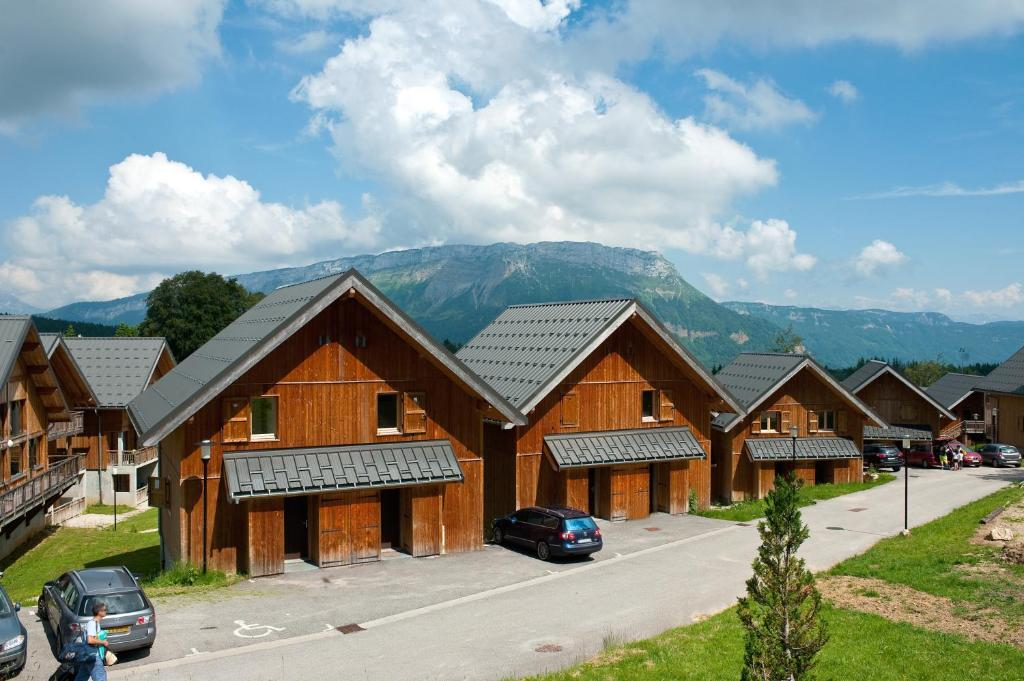 Madame Vacances Les Chalets Du Berger  Locations De