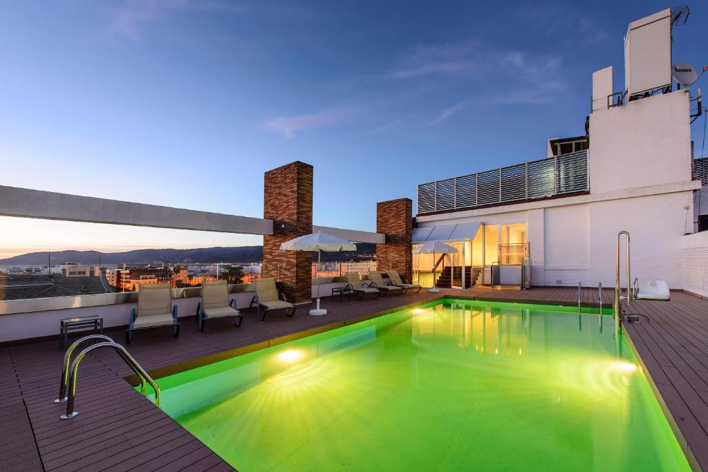 Tryp c rdoba c rdoba reserva tu hotel con viamichelin for Hotel con piscina en cordoba