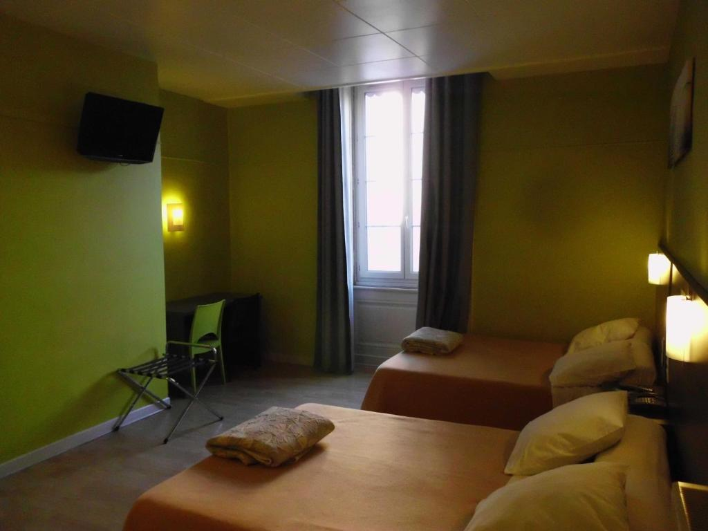 Hotel du dauphin lyons book your hotel with viamichelin for Hotels 69002 lyon