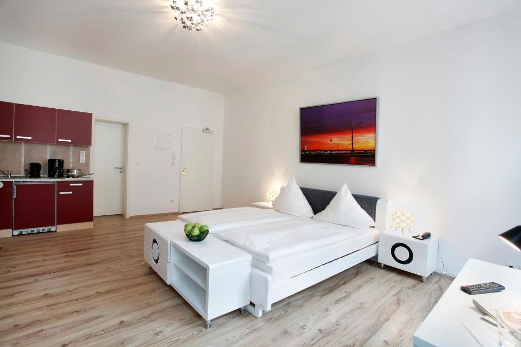 centro hotel design apart d sseldorf informationen und buchungen online viamichelin. Black Bedroom Furniture Sets. Home Design Ideas